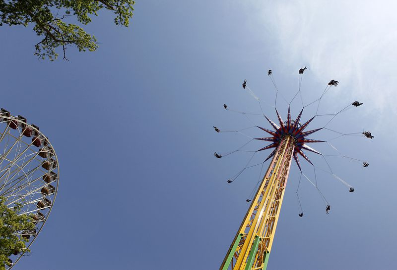Flying Chair Ride at Six flags Great Adventure