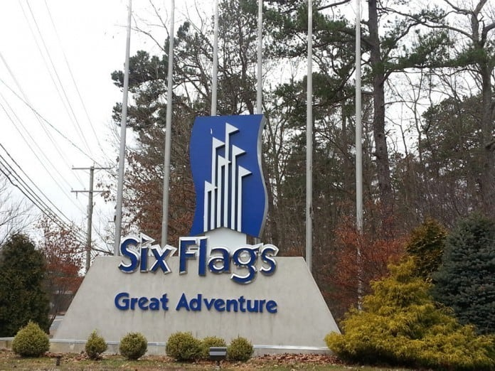 Photo of the Monument at the Entrance to Six Flags Great Adventure in Jackson, New Jersey